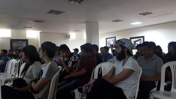 Balance presencia de Carlos Cortés en el Behance Portfolio Reviews de Armenia