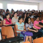 Carlos Cortés capacitando estudiantes en la Universidad Domingo Savio (Bolivia)